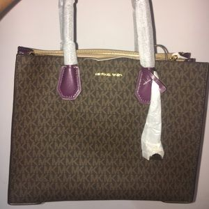 Michael Kors Handbag - Purse
